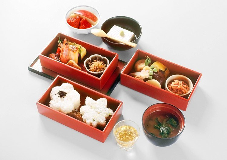 "Hanamido Bento (A lunchbox-style meal named ""Buddha's flower room"")"