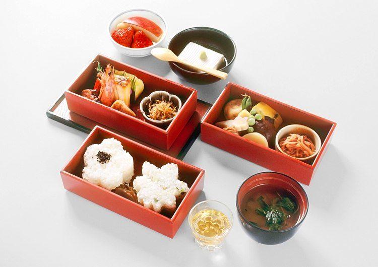 "Hanamido Bento (A lunchbox-style meal named ""Buddha's flower room"")"